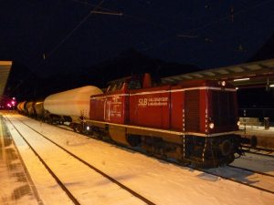 Die Salzburger Loklabahn bietet ideale Voraussetzungen den Güterverkehr auf die Bahn zu bringen. Das verkehrspolitische Handeln sieht leider anders aus. Foto: REGIONALE SCHIENEN