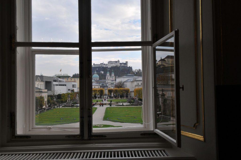 Aussicht aus dem Bürgermeisterzimmer im Schloss Mirabell. Foto: Stadt Salzburg