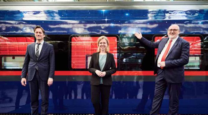 Von li. nach re.: Siemens Mobility-CEO Michael Peter, Umweltministerin Leonore Gewessler, ÖBB-Vorstandsvorsitzender Andreas Matthä.