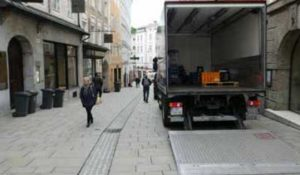 Transporter in der Linzergasse